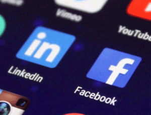 Suivez Atrihom sur Facebook et LinkedIn !